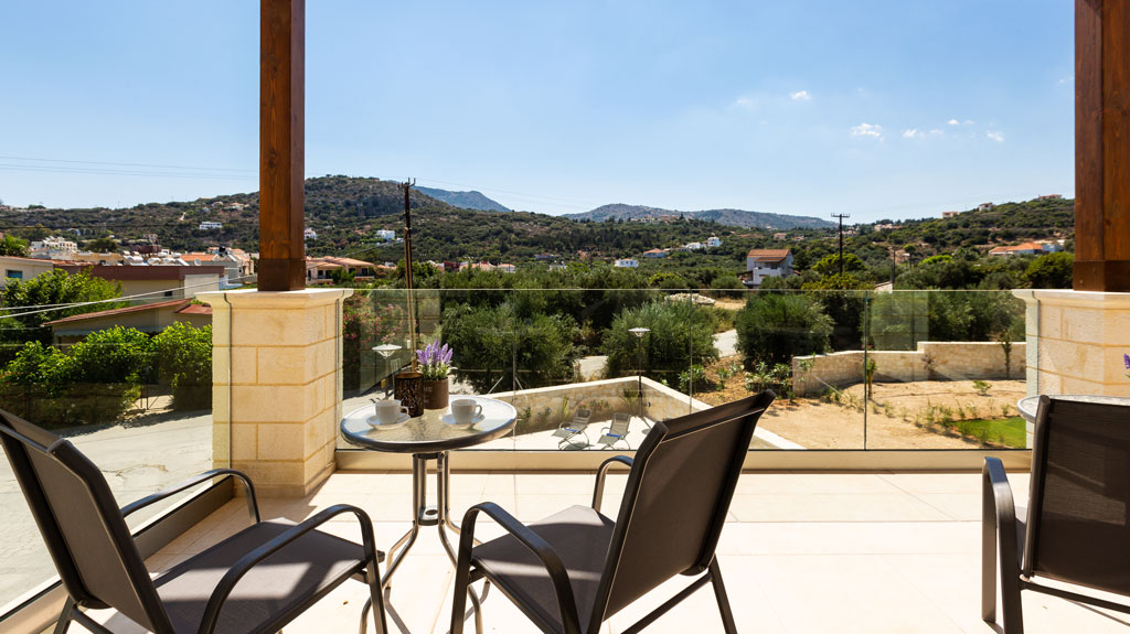 Villas in Crete with mountain Views- Pafos Ike summer villa rentals in Chania